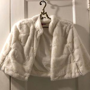 Betsy Johnson white faux fur capelet